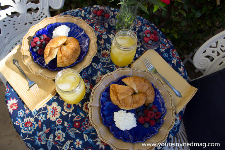 July 4th Breakfast in courtyard